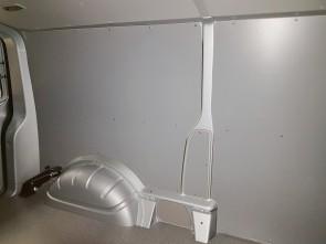 Laadruimte betimmering, multiplex 6 mm. Standaard lichtgrijs gelakt